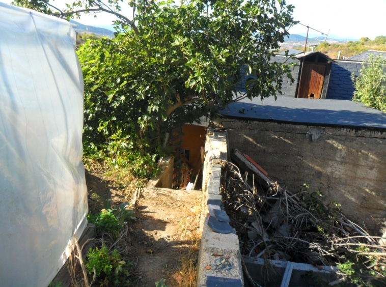 Casa Adosada en Venta en Villar de los Barrios